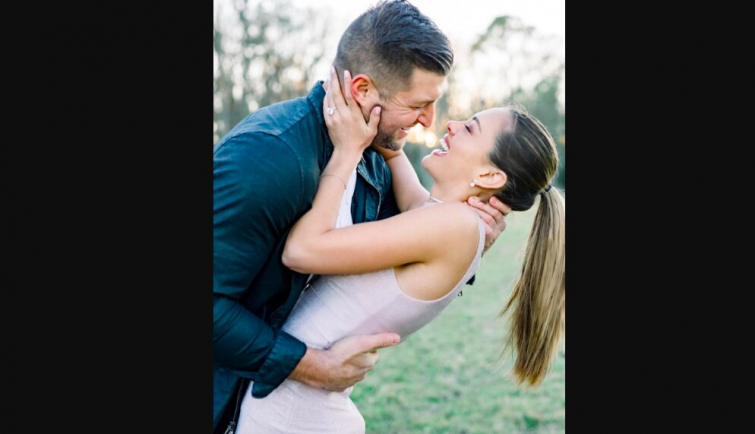 Tim Tebow and fiance Demi-Leigh Nel-Peters (Photo: Instagram)