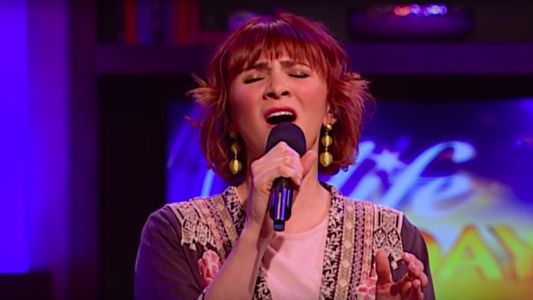 Kim Walker (Source: Youtube)