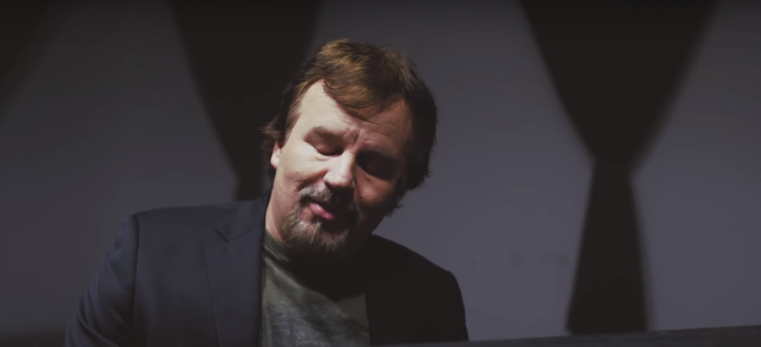 Casting Crowns Lead Singer Rebukes Fear Of Cancer Diagnosis With AMAZING New Track